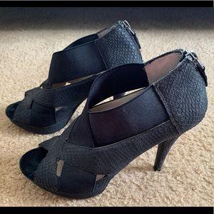 Black Heels by MRKT